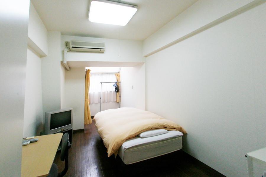 ベッドを置いてもゆとりあるスペース