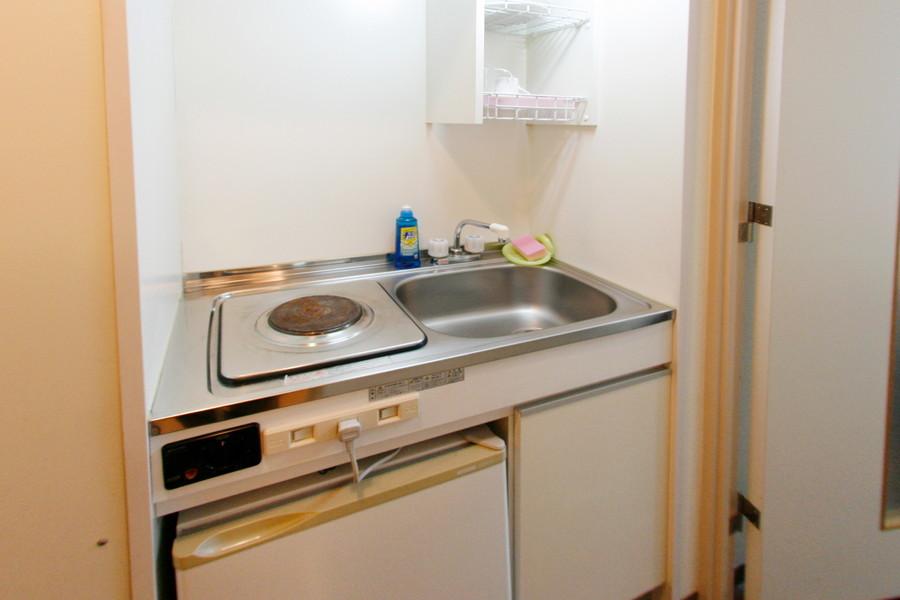 簡単な料理もできるよう、調理器具もご準備しております