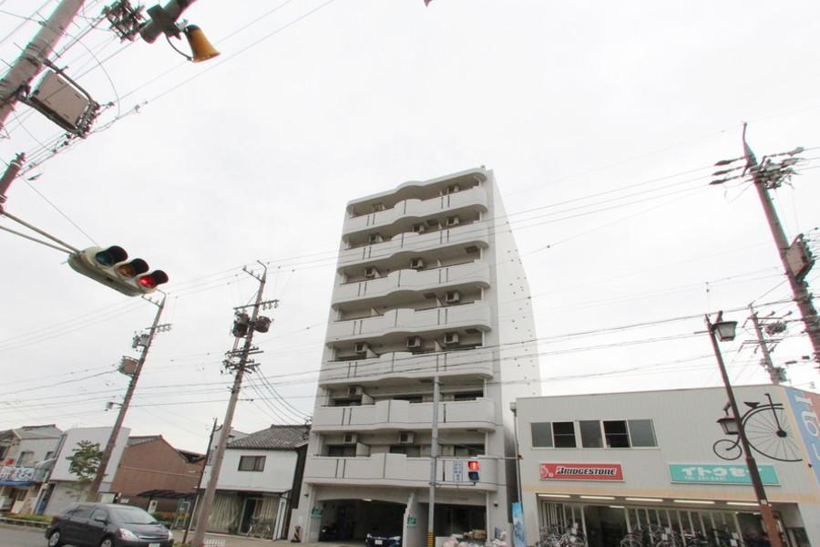 尾頭橋駅徒歩5分。駅周辺にはドン・キホーテやニトリなど施設が充実!
