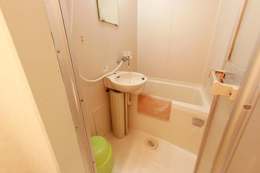 洗面器やバスマットなどお風呂用品もご用意しております