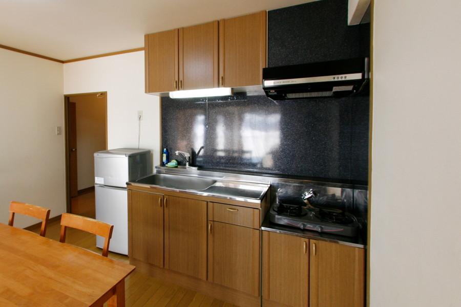 収納と広いスペースが特徴のキッチン。お料理好きの方もご満足いただけます
