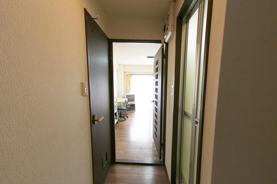 廊下もお部屋と同じ白とダークブラウン系でまとめられています