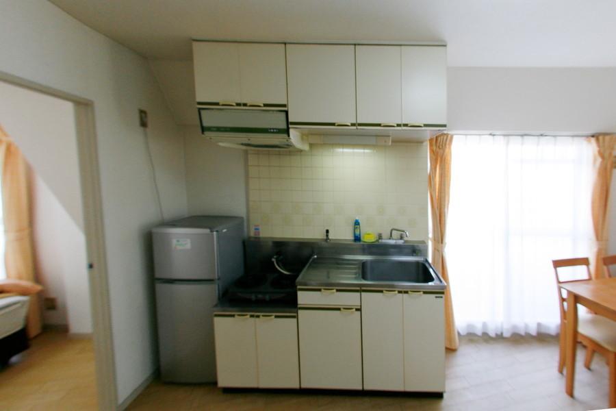 収納たっぷりのキッチン。シンクも深く大きめです