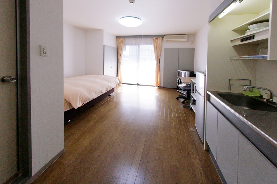 最大の特徴は圧倒的な広さ! ベッドが2台置けちゃうほどの余裕です