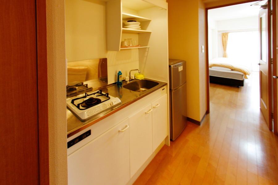 1Kルームでは広めのキッチン。コンロは便利なガスコンロタイプです