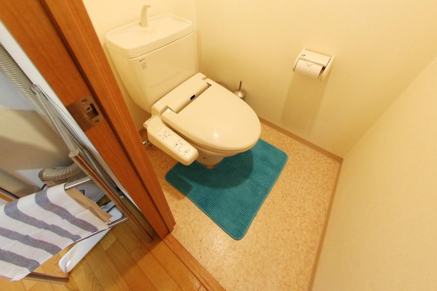 トイレはあると嬉しいウォシュレットを完備