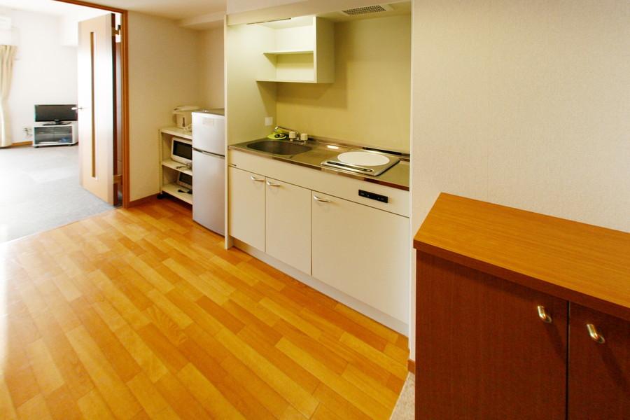 キッチン周辺は広々。狭くて動けない!という心配もありません