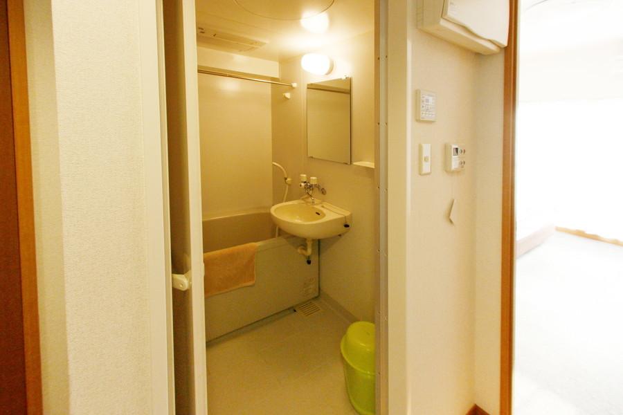 お風呂には浴室乾燥機能を搭載。急なお洗濯物もおまかせください!