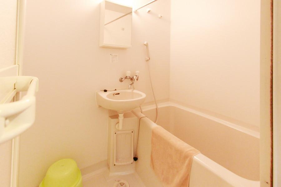 シンプルで使いやすいお風呂。嬉しい浴室乾燥機能が搭載されています