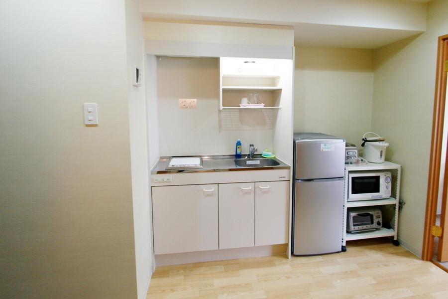 収納面もバッチリのキッチン。使いやすいIHコンロです