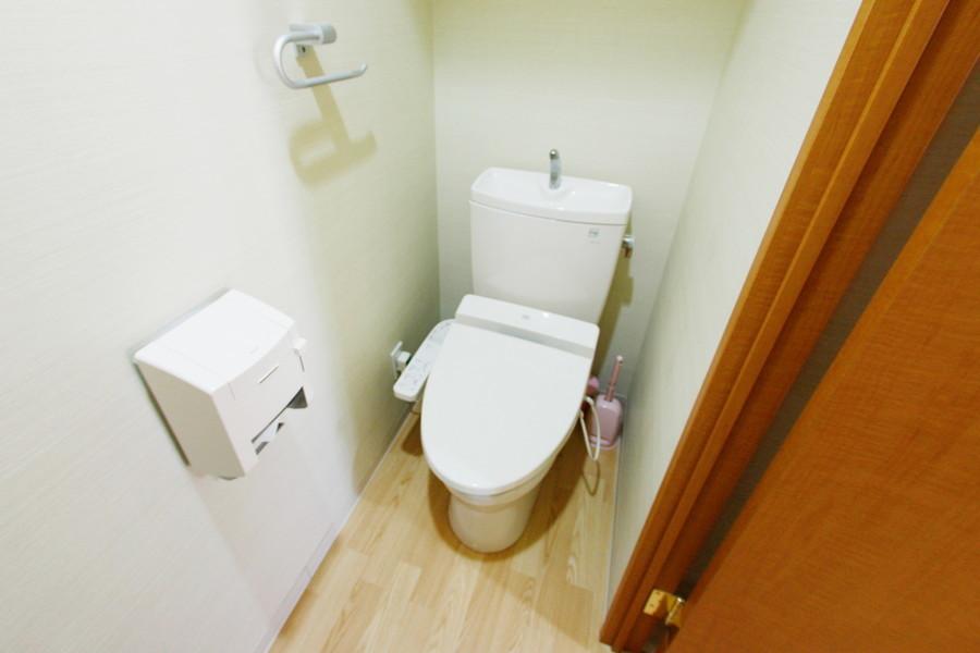 トイレは人気のウォシュレットを完備