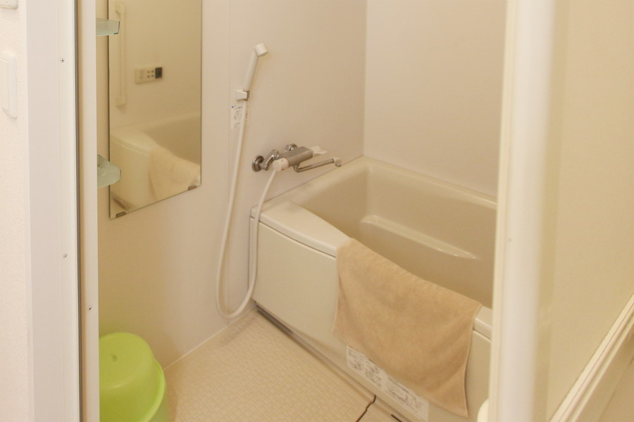 ゆったり過ごせるバスルーム。浴室乾燥機能を搭載しています