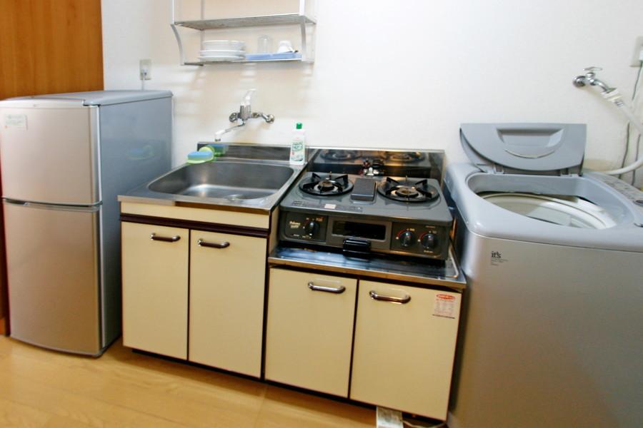広いシンクが特徴のキッチン。ガスコンロはしっかり2口タイプです