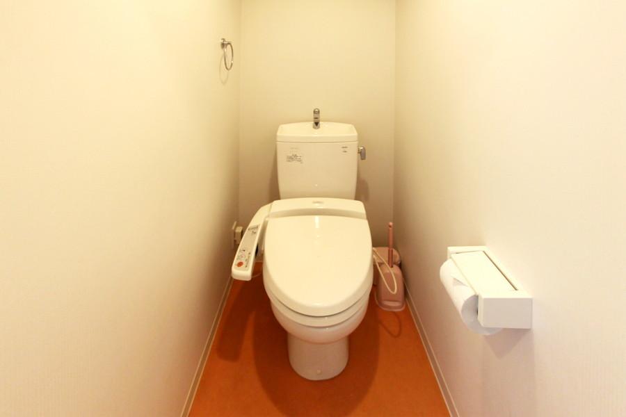 お手洗いは人気のバス・トイレ別タイプ