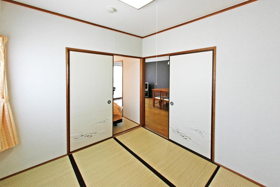 こちらの和室はキッチンに近く、目が届きやすくなっています