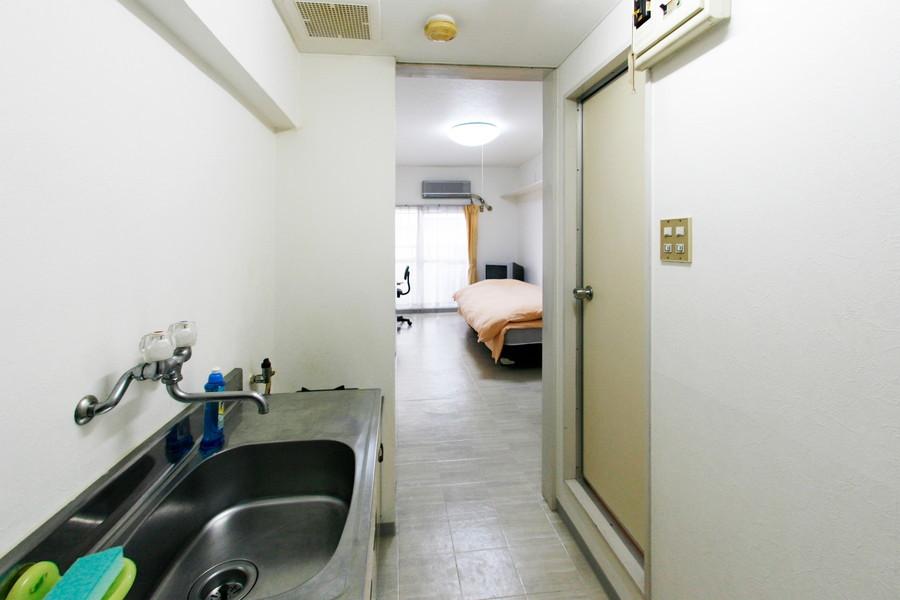室内から廊下、玄関までは段差がなくフラットなつくり。深夜のお帰りも安心です