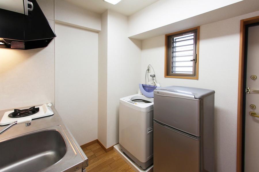 キッチン周りや洗濯機は玄関周りに。使いやすく便利です