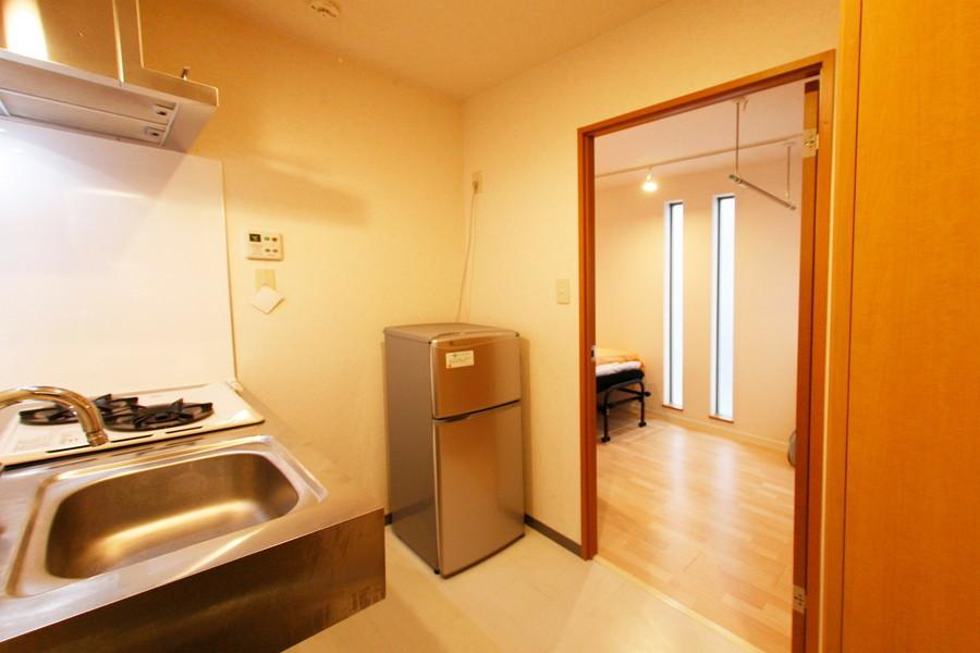 玄関、キッチンからお部屋までは段差のないフラットなつくり