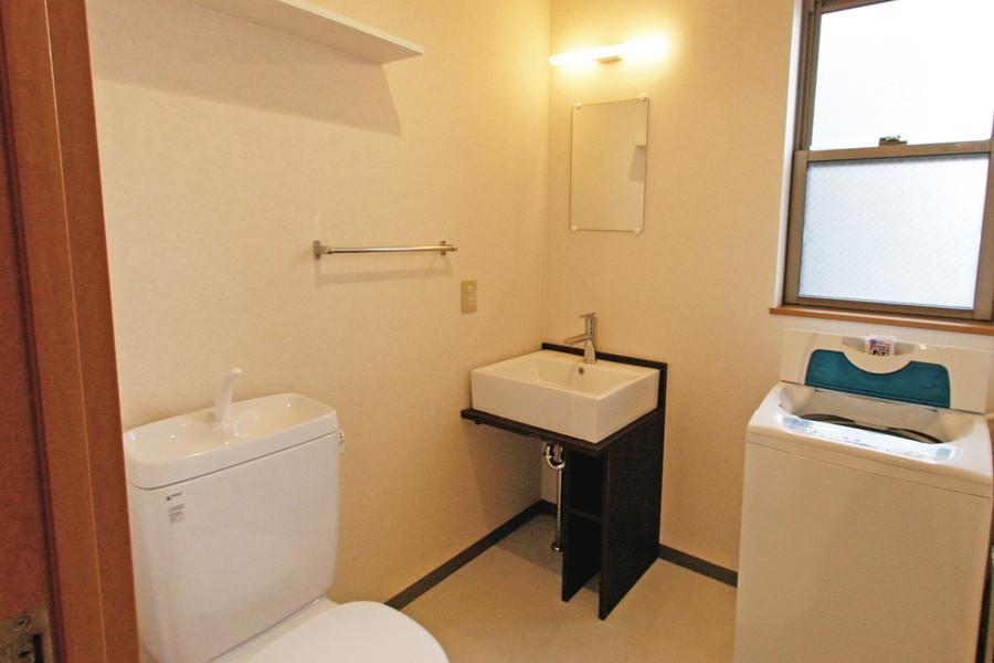 おしゃれな洗面台は四角い洗面ボウルがポイント
