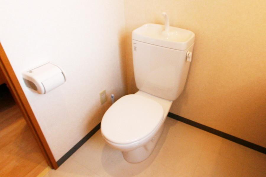 衛生面でも安心のセパレート式トイレ