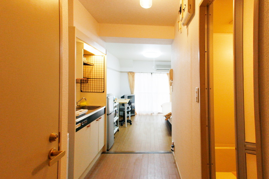 キッチンの廊下は広めに取られています