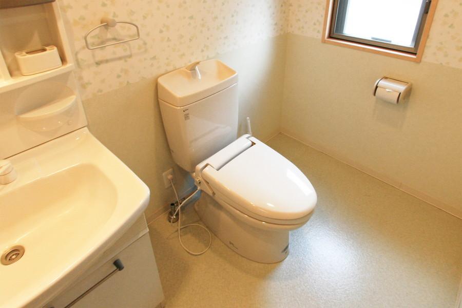 衛生面でも安心のバストイレ別物件です
