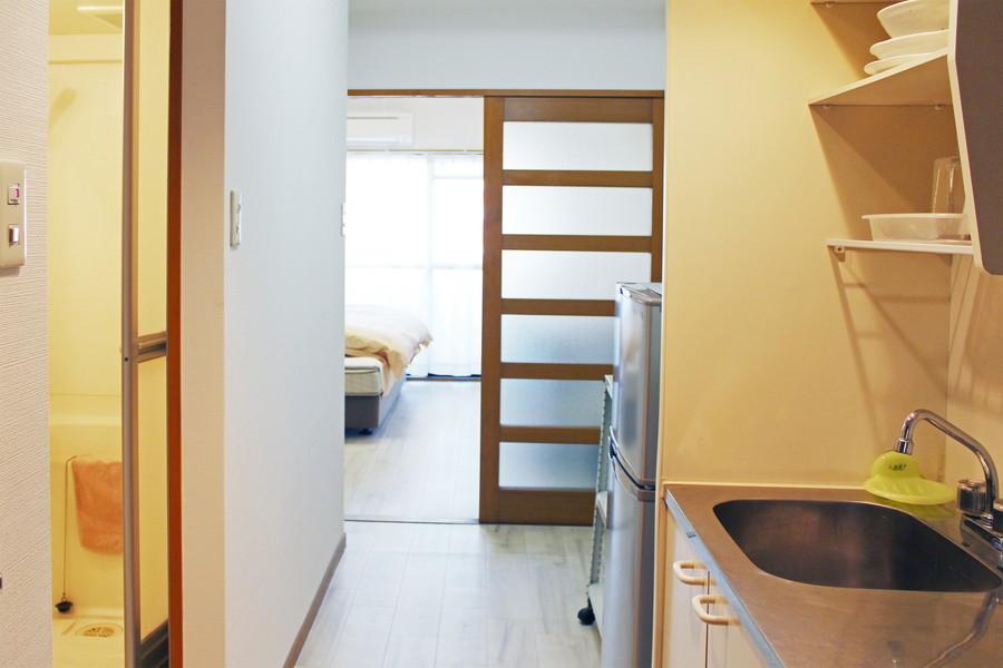 玄関とお部屋の間はスライドドアで仕切られています