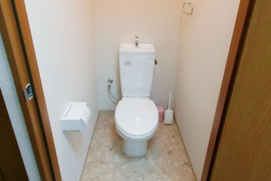 お手洗いはセパレートタイプで衛生面でも安心です