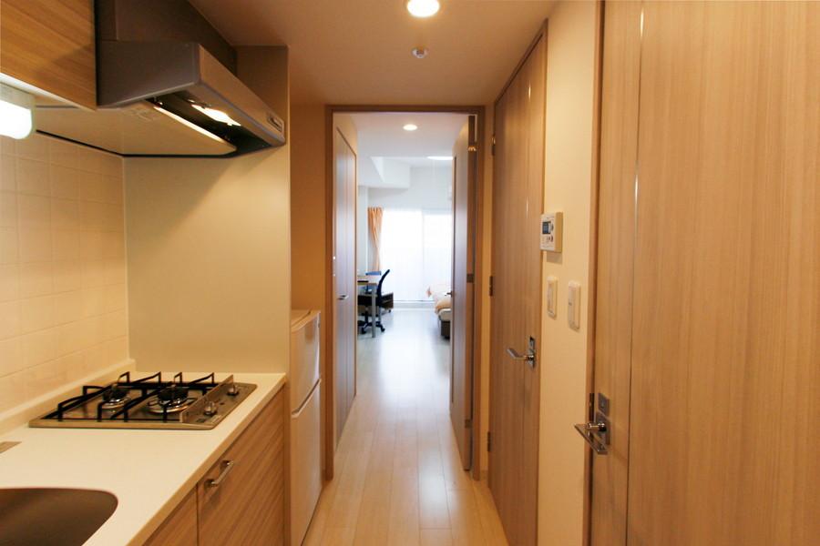 玄関から室内まで段差のない作り。深夜の帰宅でも安心です