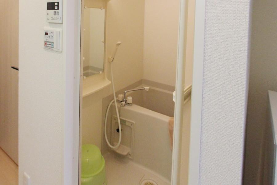 急なお洗濯物でも安心の浴室乾燥機能つき