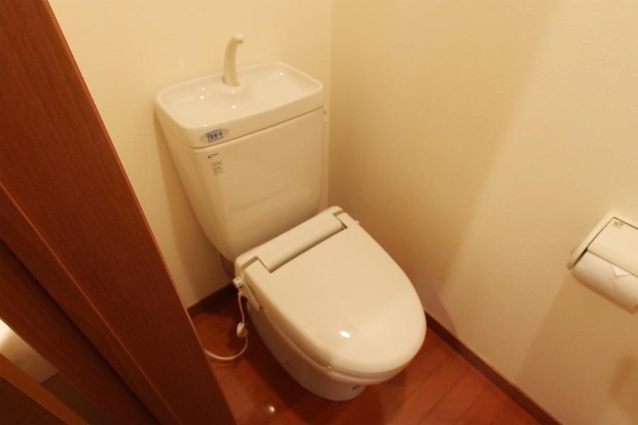 お手洗いは人気のバス・トイレセパレートタイプです