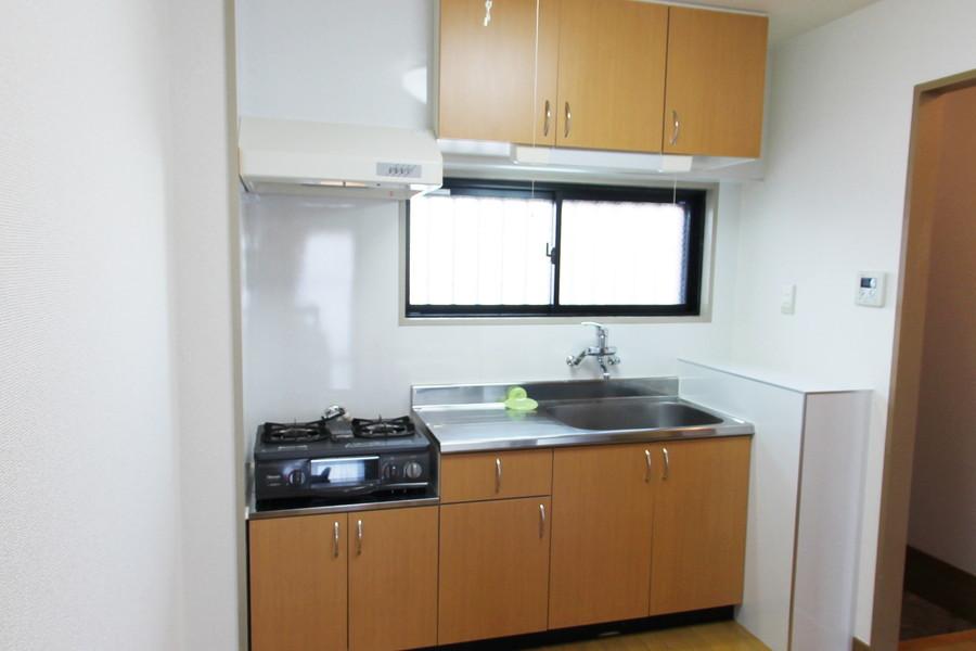 上下たっぷりの収納スペースが嬉しいキッチン