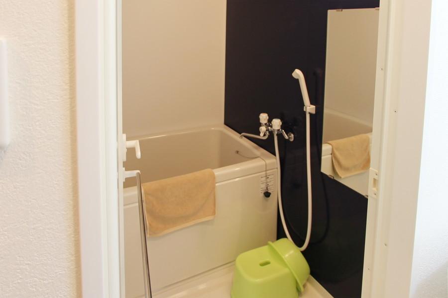日々の疲れを癒やすバスルームには嬉しい浴室乾燥機能を搭載しています