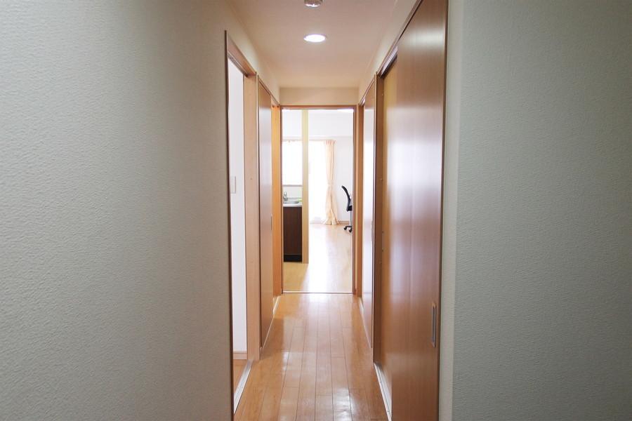 廊下沿いにも収納スペースを完備。マンスリーとは思えない収納量です