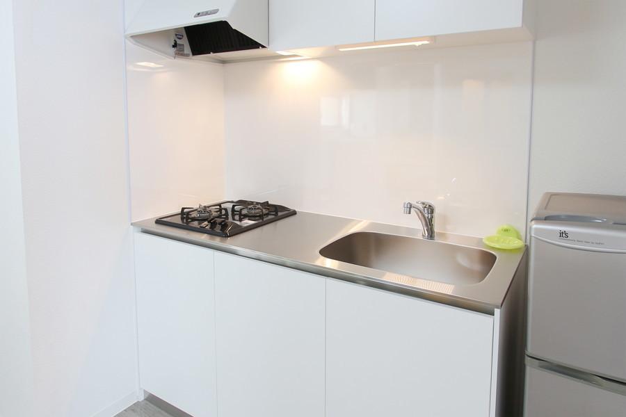 自炊派の方も嬉しい広めのキッチン。ガスコンロは2口タイプを設置しています