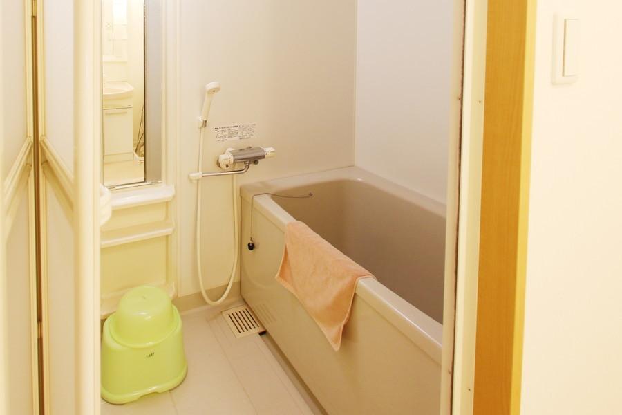 広々したお風呂は浴室乾燥機能を搭載。急ぎの洗濯物もおまかせください