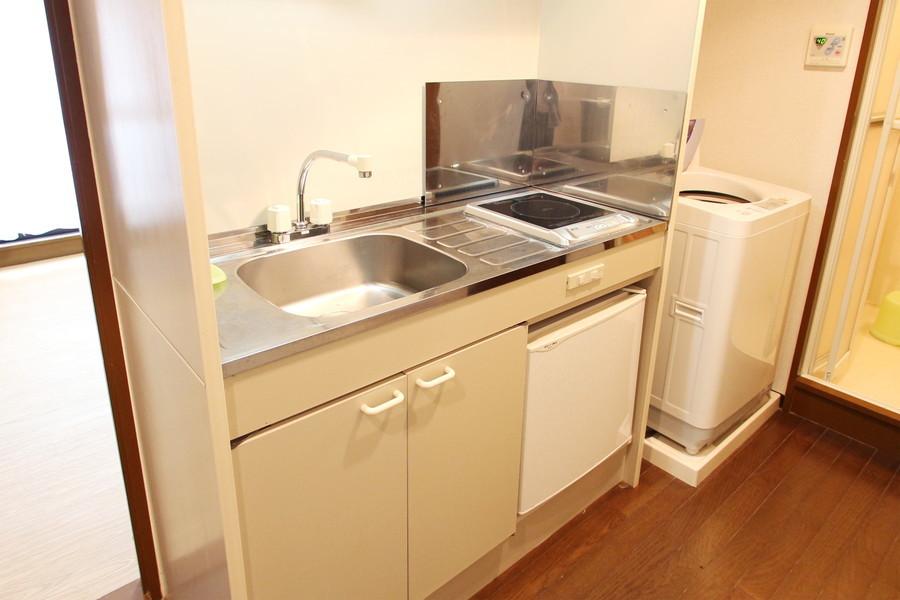 コンパクトなキッチンながら作業スペースもしっかり確保