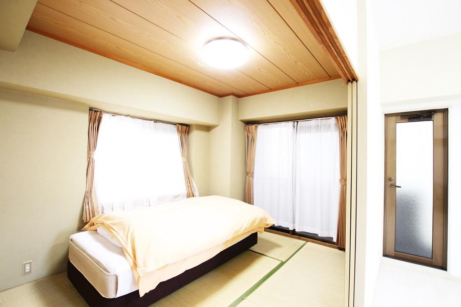 リビング隣には和室が完備。明るく過ごせる畳敷きのお部屋です