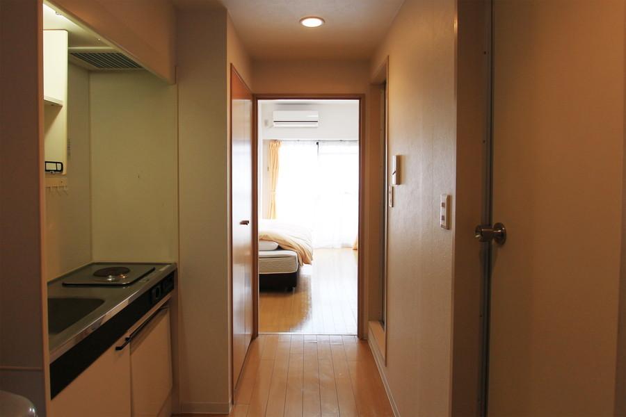 お部屋と廊下の間には扉でプライベート空間もしっかり確保できます