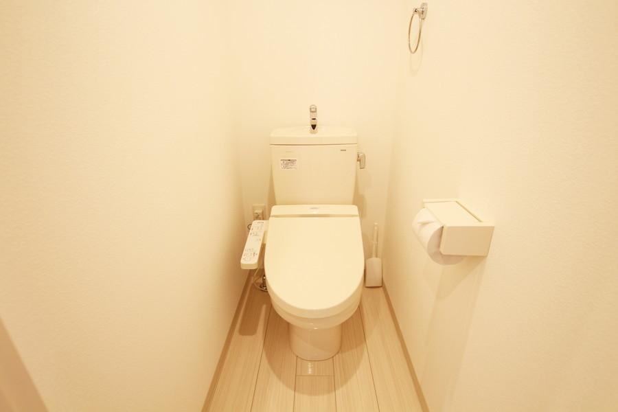 トイレは嬉しいシャワートイレを搭載