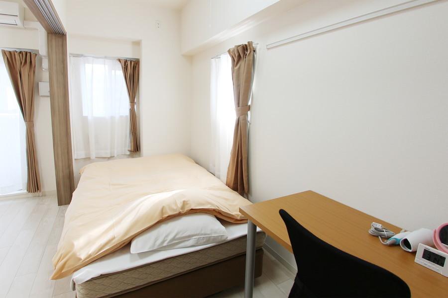 寝室との仕切りはスライドドア。来客時も安心です