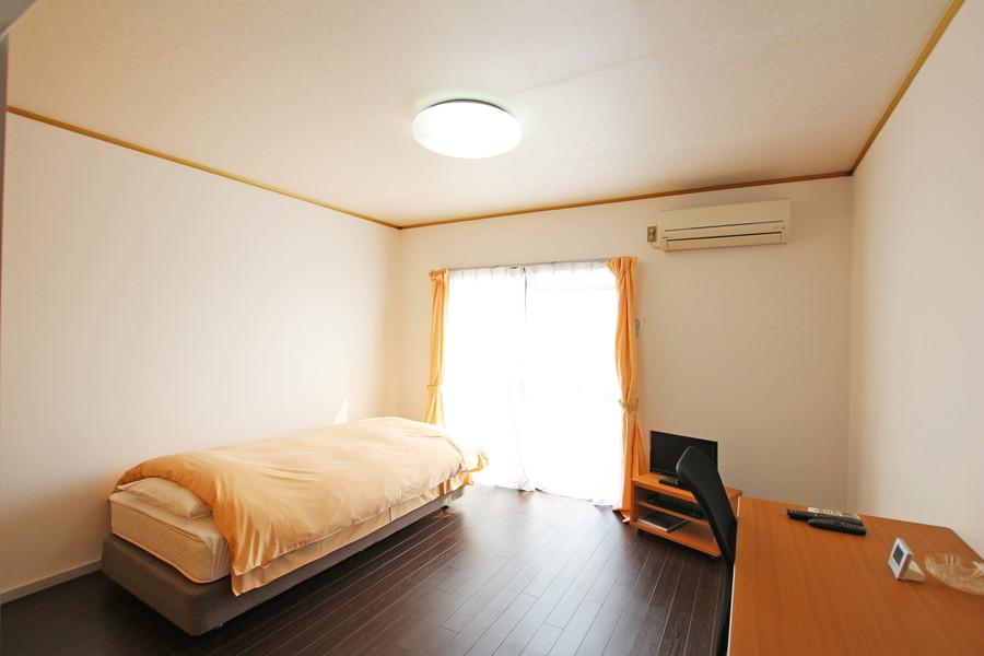 お部屋はゆったり広々お使いいただける8.2畳