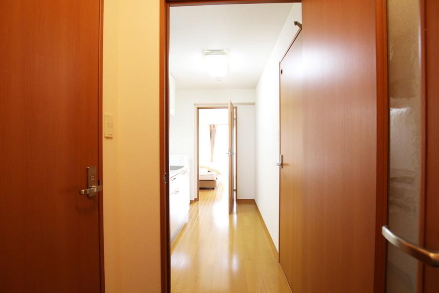 玄関~キッチン~お部屋まではフルフラット。つまづく心配もありません