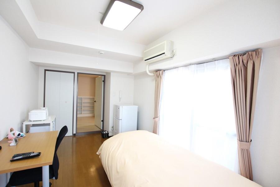 シーリングライト設置で天井の高さを確保。圧迫感も少なくお過ごしいただけます