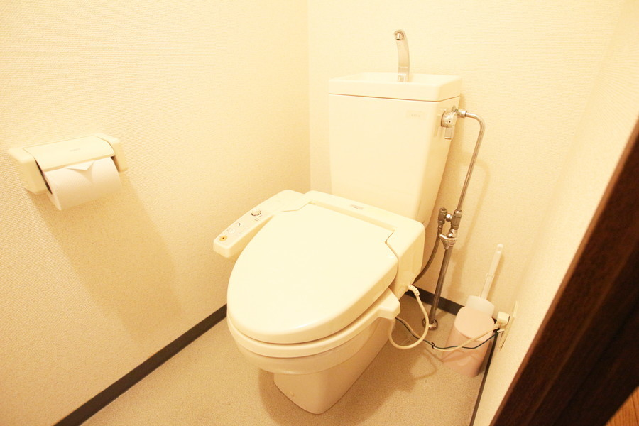 トイレは人気のシャワートイレタイプ