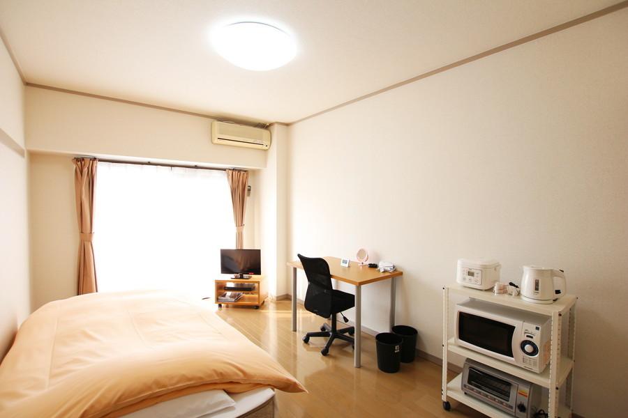 シーリングライトを採用し、開放感のあるお部屋です