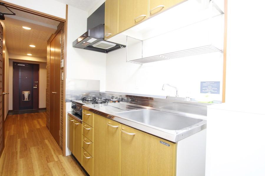 自炊派の方も嬉しいシステムキッチン。収納もしっかりご用意しています