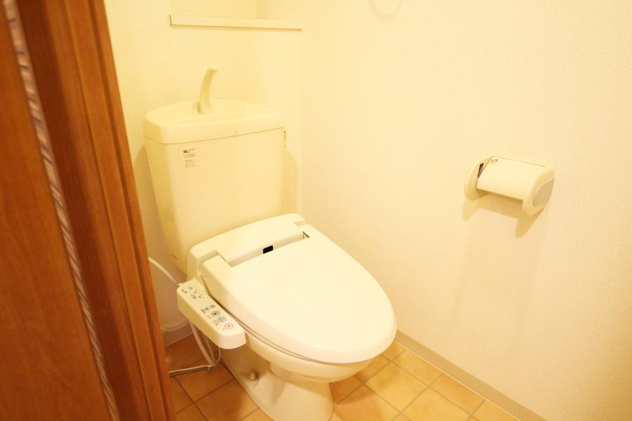 バス・トイレ別で衛生面も安心。人気のウォシュレット完備です