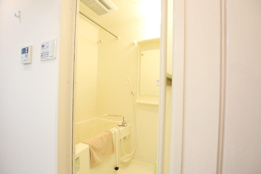ゆっくりくつろげるバスルーム。嬉しい浴室乾燥機能つき