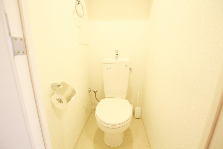 ゆったりとした清潔感のあるトイレ